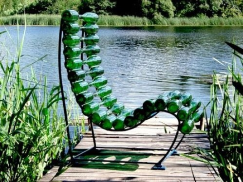 beer-bottle-chair-e1299595884480